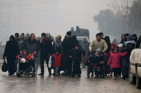Сирийские повстанцы обвинили войска Асада впопытке предотвратить эвакуацию изАлеппо