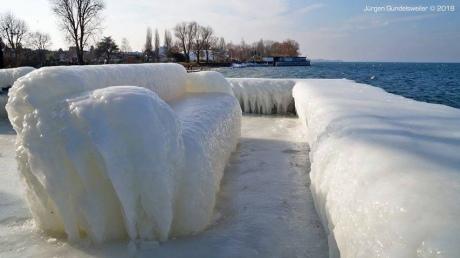 Снігопади і морози продовжують паралізувати Європу