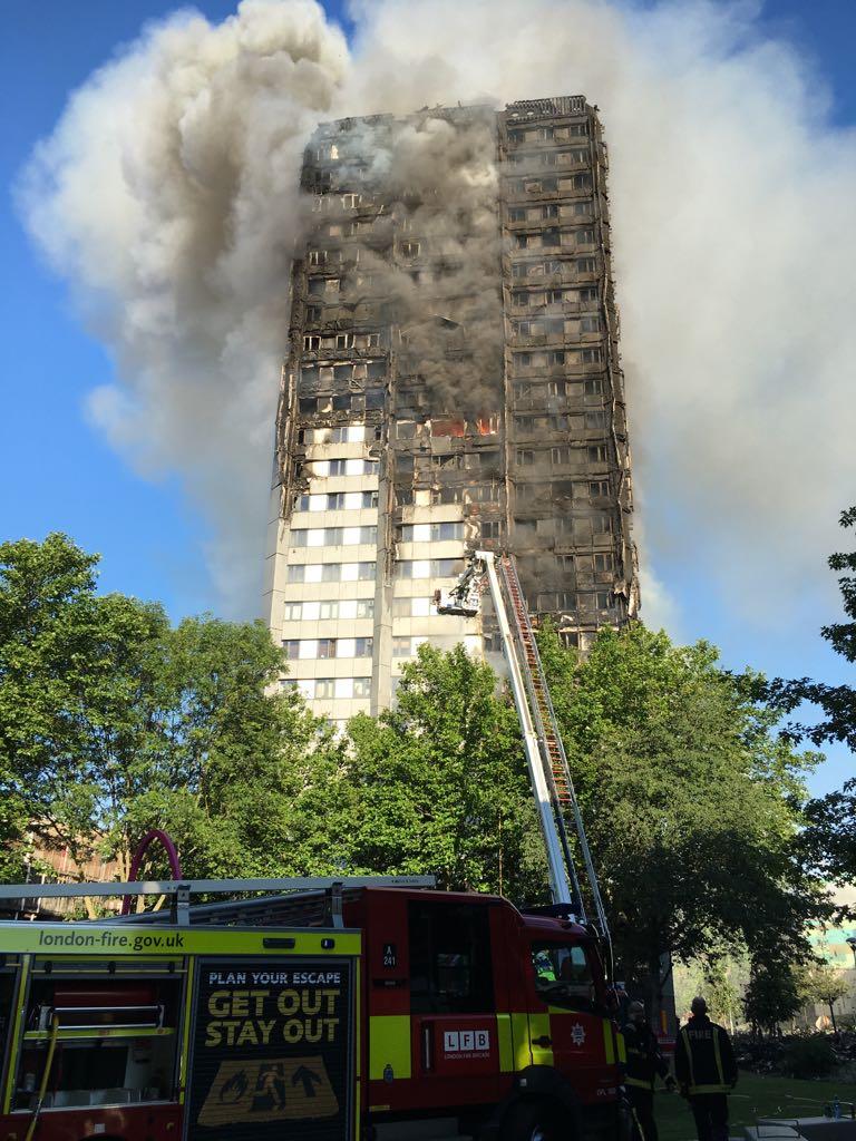 Макрон  двері ЄС для Британії відкриті до завершення процедури Brexit Пожежа  у Лондоні  підтверджено загибель кількох людей Майже 200 законодавців США  ... b1a1167b0a00e