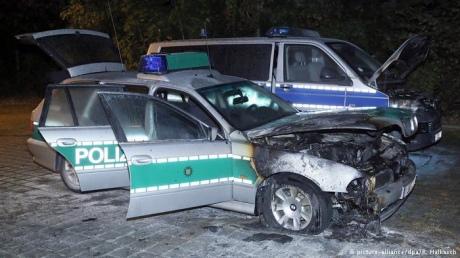 Невідомі підпалили 3 поліцейські машини