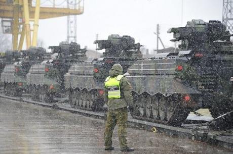 ВЛитву перекинули германские танки для батальона НАТО
