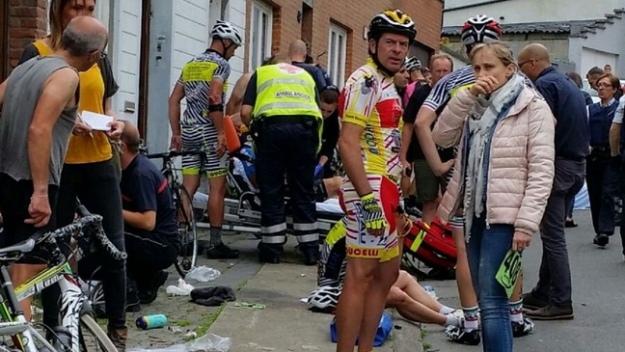 УБельгії 19 велосипедистів отримали травми через нерозумний маневр автомобілістки