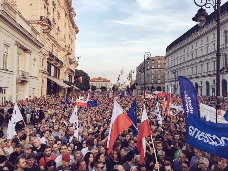 Экс-президенты Польши сообщили оначале диктатуры вгосударстве