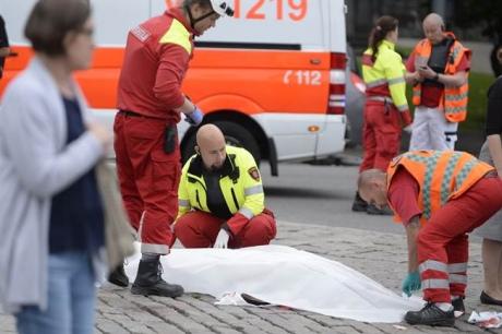 У Фінляндії невідомі зножами напали наперехожих, одного нападника затримано