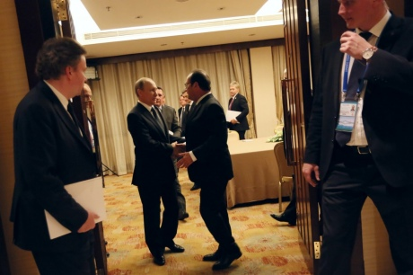 Французские СМИ: Переговоры Олланда и В. Путина «провалились»