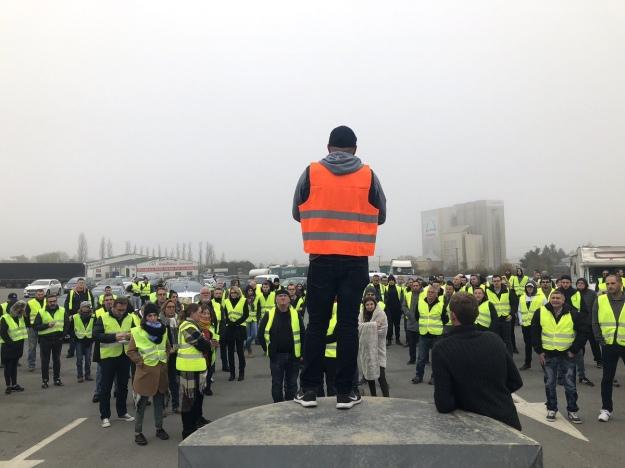 Учасники акції вшанували загиблого протестувальника хвилиною мовчання