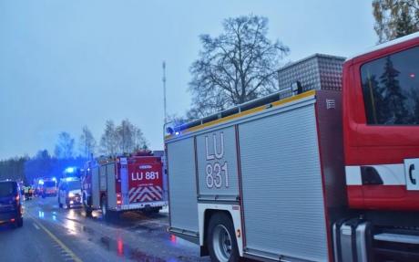 У Фінляндії потяг врізався у військовий автомобіль: є загиблі і поранені