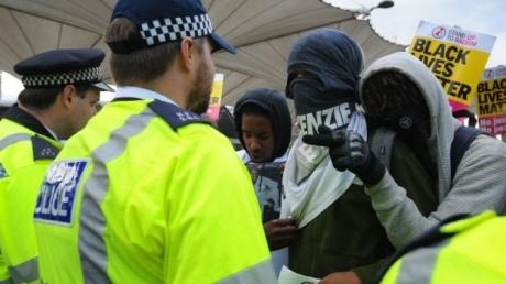 УЛондоні наакції проти жорстокості поліції постраждали шестеро поліцейських