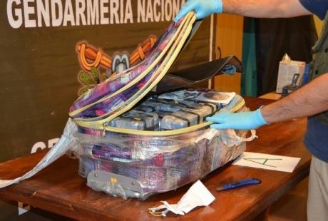 Упосольстві Росії вАргентині знайшли 400кг кокаїну