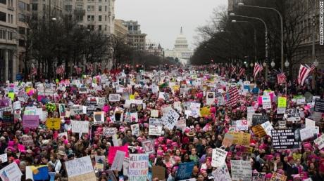 Неменее млн. человек приняли участие вакциях против президента США