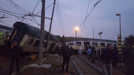 В Італії зійшов зрейок потяг, загинули дві людини
