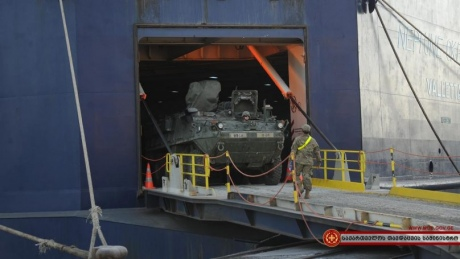 ДоГрузії прибула військова техніка НАТО