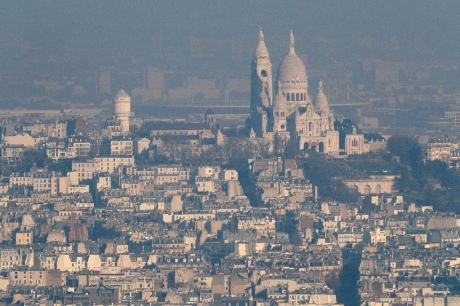 Париж страдает отсамого густого смога запоследние 10 лет