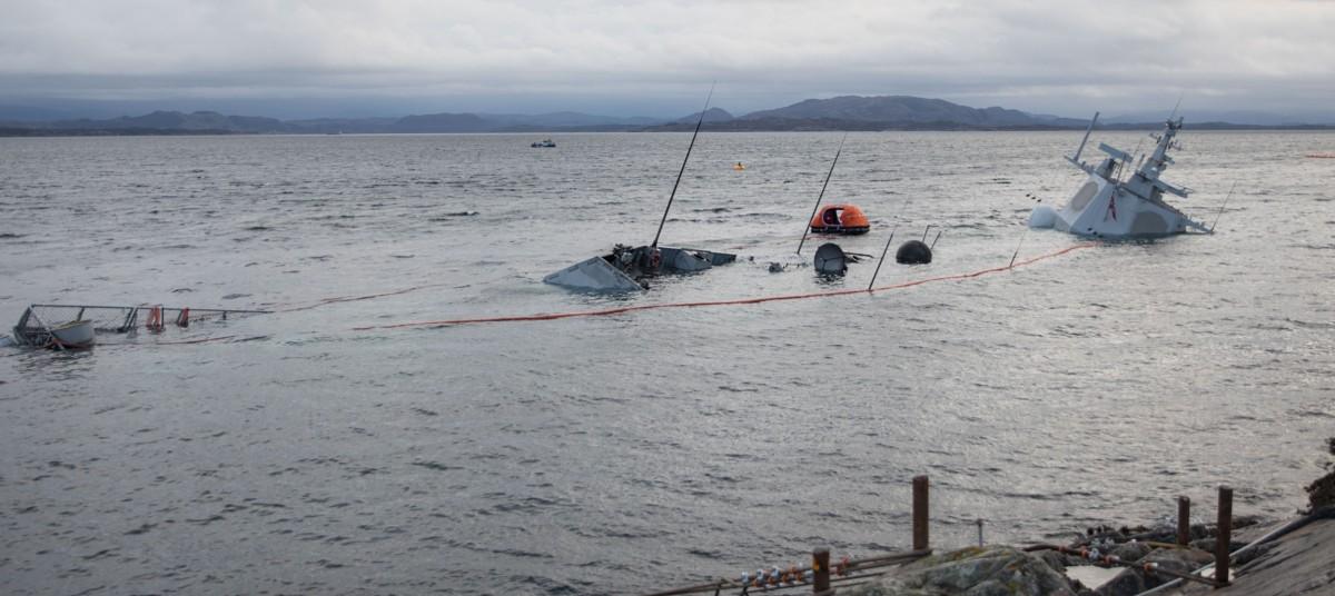 """Учения удались. Норвежский фрегат Helge Ingstad полностью затонул"""""""