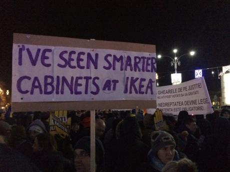 ВРумынии 10 тыс. человек вышли наантиправительственные протесты