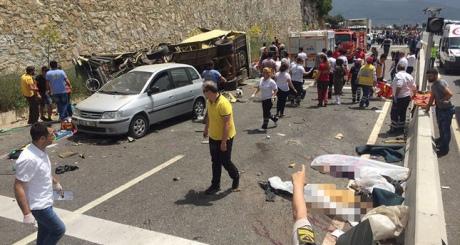 УТуреччині автобус зтуристами потрапив уДТП, загинули 20 людей
