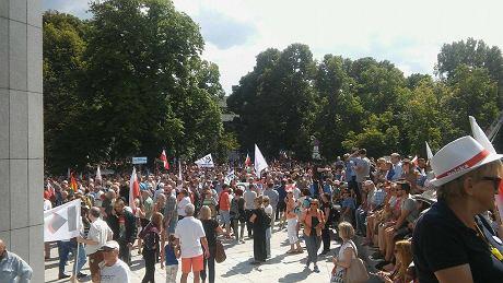 Понад 30 людей затримано на мітингу проти судової реформи уПольщі