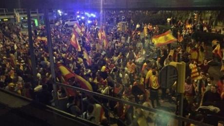 Демонстрація противників незалежності Каталонії переросла в зіткнення