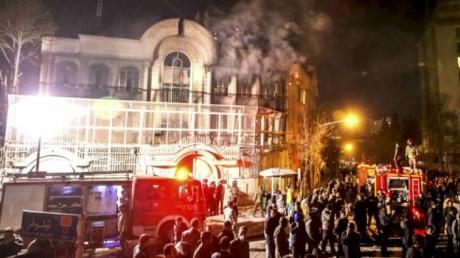 УТегерані протестувальники розгромили посольство Саудівської Аравії