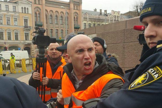 5300c1d918b3ae Посольство України вимагає у Британії покарати пропагандиста Філіпса за  залякування дипломатів | Європейська правда