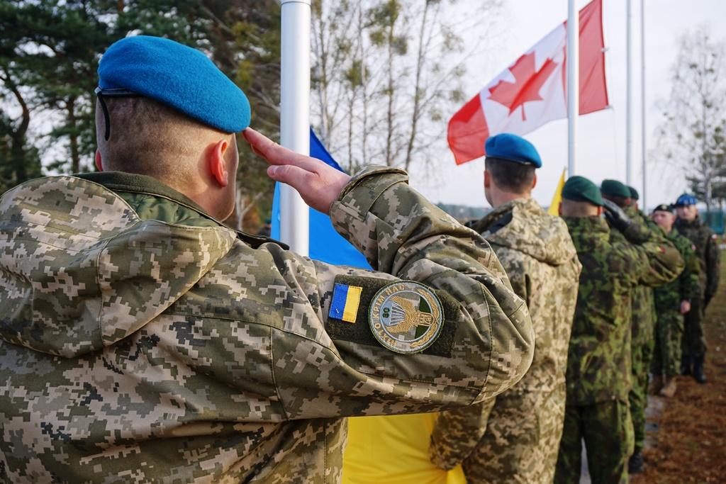 У Канаді хочуть передати Україні летальну зброю, що призначалася для курдів