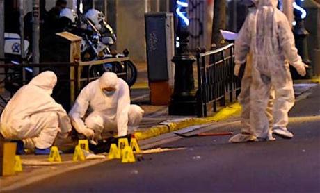 ВАфинах обезвредили предполагаемую бомбу уздания министерства труда
